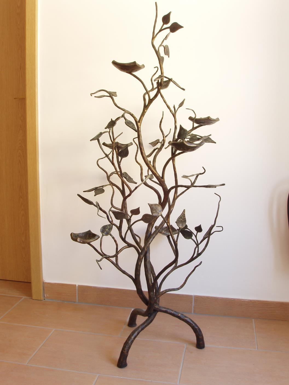 kovany_svicen_strom_002